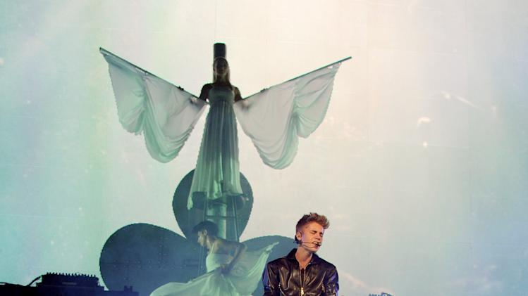 Justin Bieber, Carly Rae Jepsen and Cody Simpson Perform At The Staples Center
