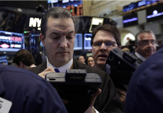 Stocks meander as China, Ukraine worries weigh