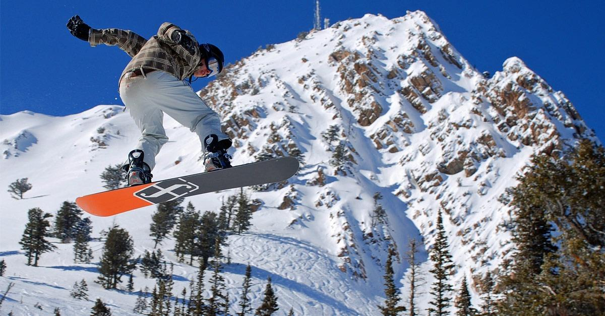 11 Quintessential Winter Resorts For Snowboarding