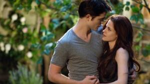 'Breaking Dawn': Advance Sales for Final 'Twilight' Pic Pacing 27 Percent Ahead of Previous Film