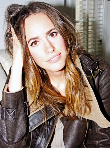 Louise Roe Replaces Elle Macpherson as Host of NBC&#39;s Fashion Star!