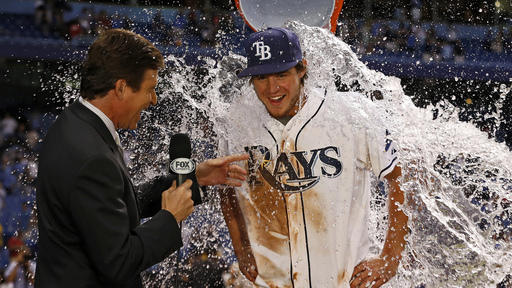 Myers' RBI single in 10th lifts Rays past Giants