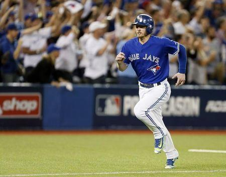 Blue Jay Donaldson signs two-year contract extension