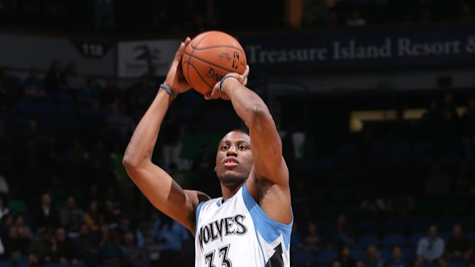 Young, Wolves hold off Pistons 97-91