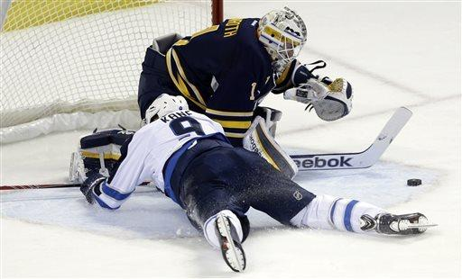 Jets remain in the hunt with 2-1 win over Sabres
