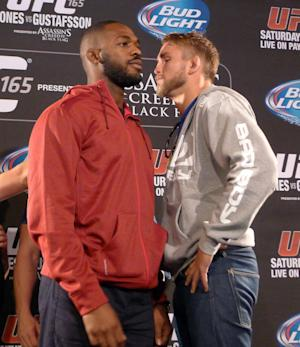 Jones accepts Gustafsson's challenge at UFC 165