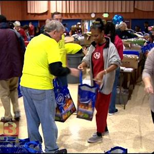 Jewish Community Helps Those In Need On Christmas