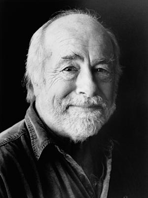 Grateful Dead Lyricist Robert Hunter Set for Rare Tour