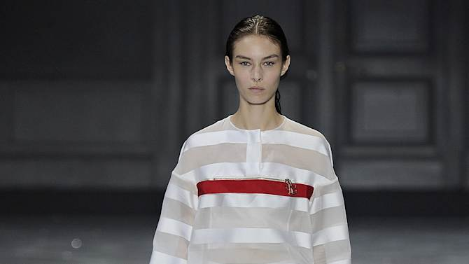 Moncler Gamme Rouge - Runway RTW - Spring 2015 - Paris Fashion Week