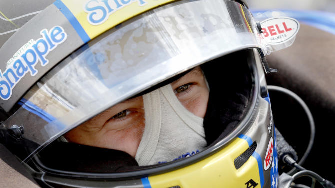 Andretti looks to put bizarre blue flag behind him