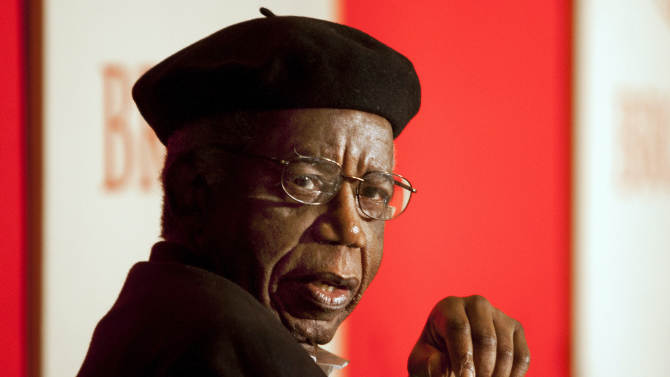 This 2010 photo provided by Brown University shows Chinua Achebe on campus in Providence, R.I. Achebe, an internationally celebrated Nigerian author, statesman and dissident, has died at age 82. He joined Brown University in 2009 as a professor of languages and literature. (AP Photo/Brown University, Mike Cohea)