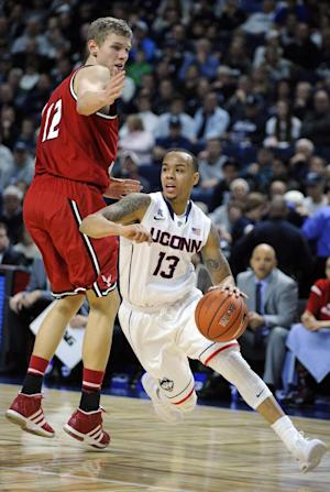 No. 15 UConn beats E. Washington 82-65