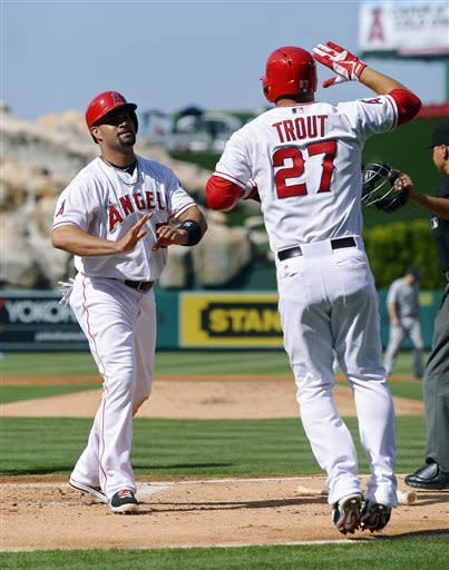 Wilson, Angels beat Mariners 7-1