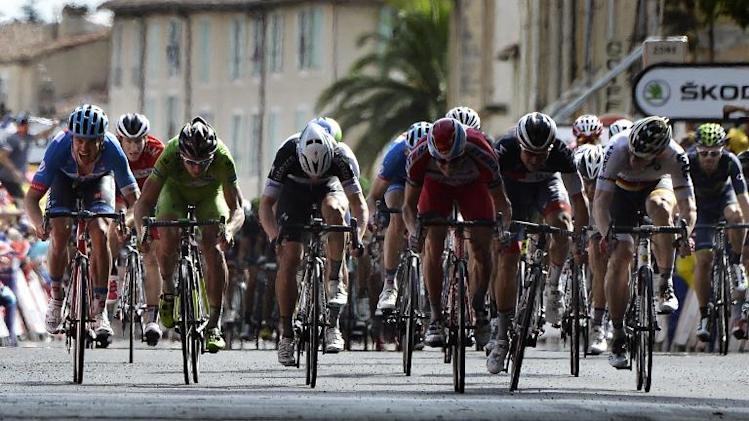Australia's Mark Renshaw (4thL) races rivals during the 15th stage of the Tour de France on July 20, 2014