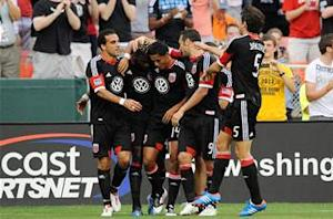 D.C. United 3-2 New England Revolution: United moves into first place in the East with win at RFK Stadium