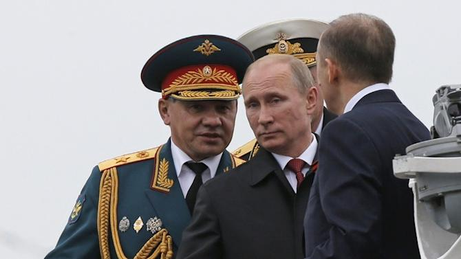 Putin Celebrates Russian Victory Day by Visiting Crimea for First Time