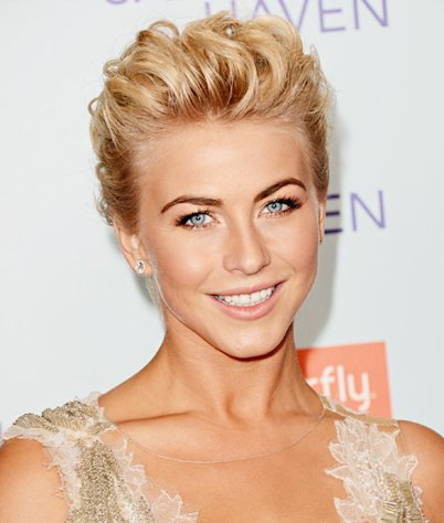 Julianne Hough&#39;s Makeup at the Safe Haven Premiere: All the Details