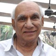 Yash Chopra&#39;s Statue To Be Unveiled At Bandstand Walk of Stars