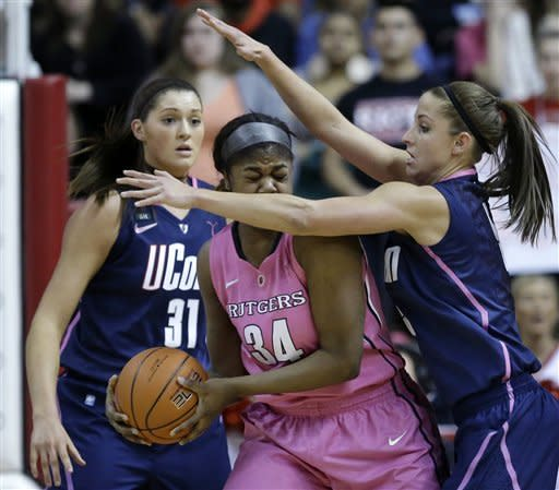 No. 3 UConn women pull away from Rutgers