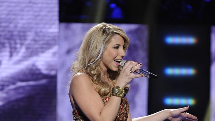 "Elise Testone performs ""I'm Your Baby Tonight"" by Whitney Houston on American Idol."""