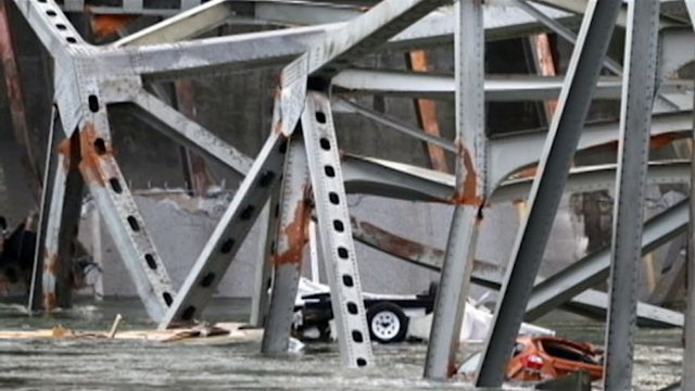 New Images Reveal Moment Washington Bridge Collapsed