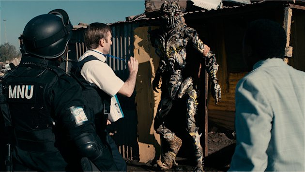 District 9 Stills Columbia TriStar 2009 Sharlto Copley