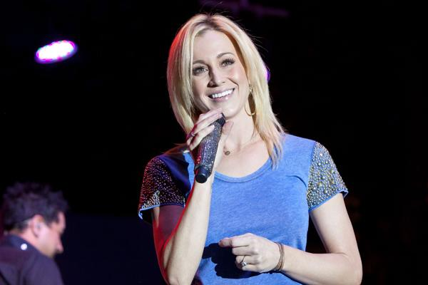 Kellie Pickler 'Bouncing From Dance Studio to Recording Studio'