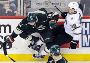 Wild score 3 in 59-second span, beat Stars 5-2