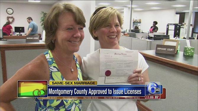 Montco green lights gay marriage licenses