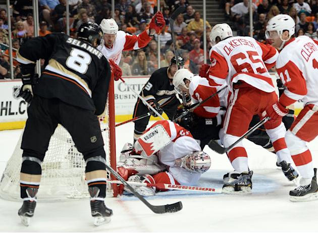 Detroit Red Wings v Anaheim Ducks - Game Two