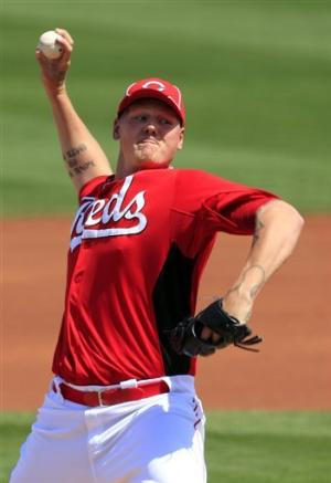Reds' Latos strains calf, leaves 7-4 loss to Cubs