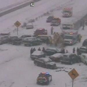 Raw: 30 Car Pileup in Milwaukee