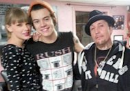 Harry Styles se fait tatouer... sous les yeux de Taylor Swift