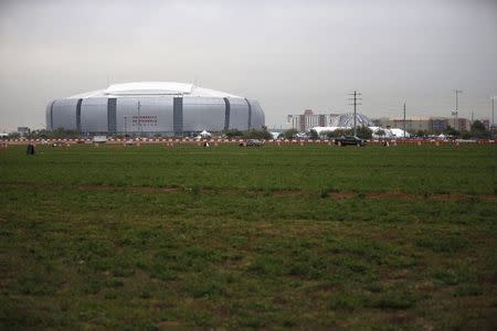 Super Bowl poised for great game, great debate