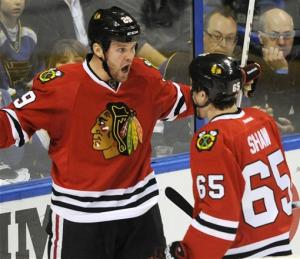 Blackhawks end Elliott streak, beat Blues