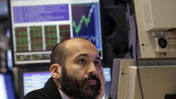 A weak start on Wall Street; energy stocks slide