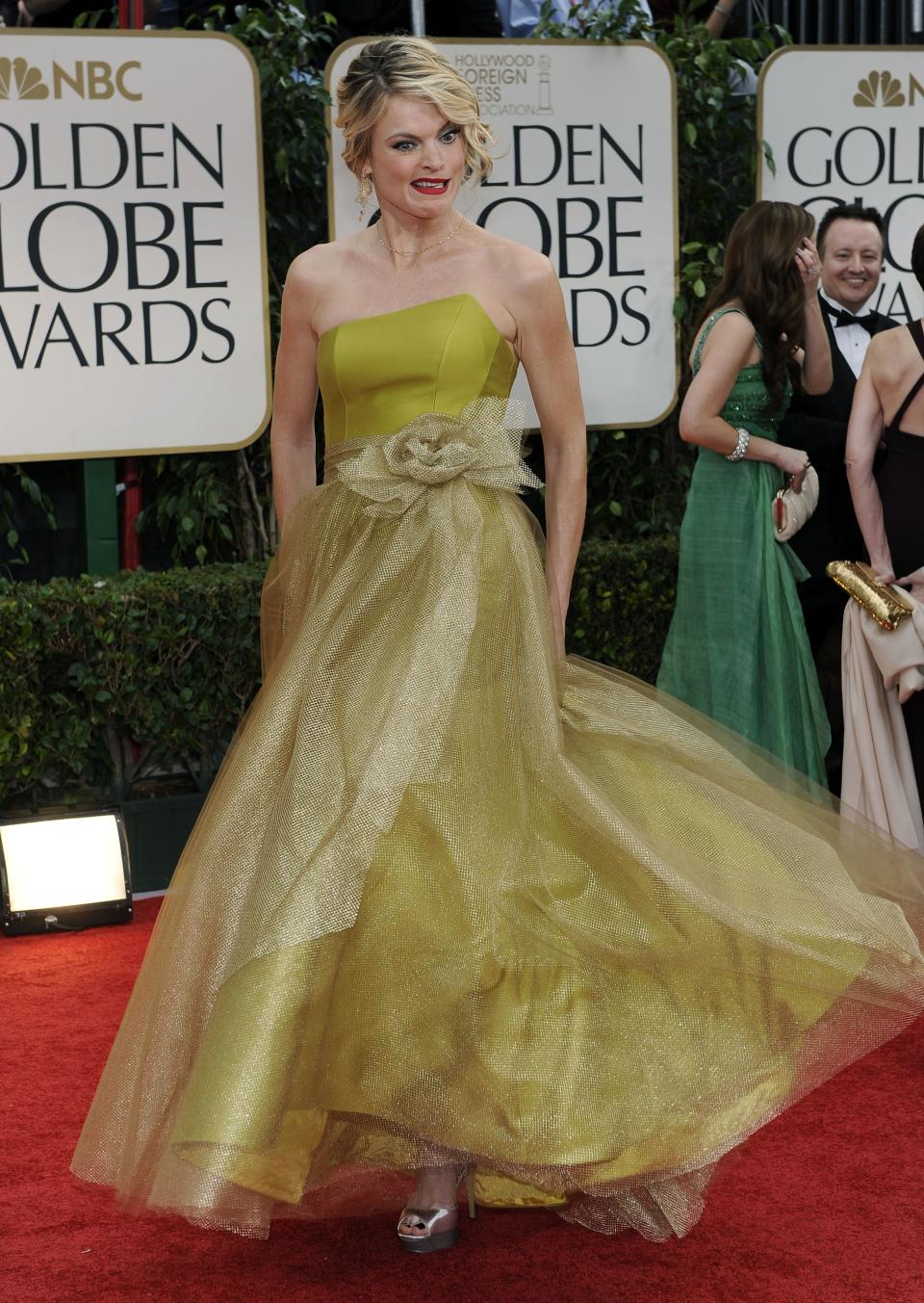 Missi Pyle arrives at the 69th Annual Golden Globe Awards Sunday, Jan. 15, 2012, in Los Angeles. (AP Photo/Chris Pizzello)
