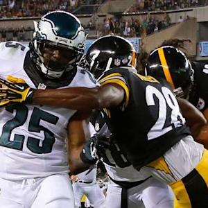 Philadelphia Eagles running back LeSean McCoy 22-yard TD reception