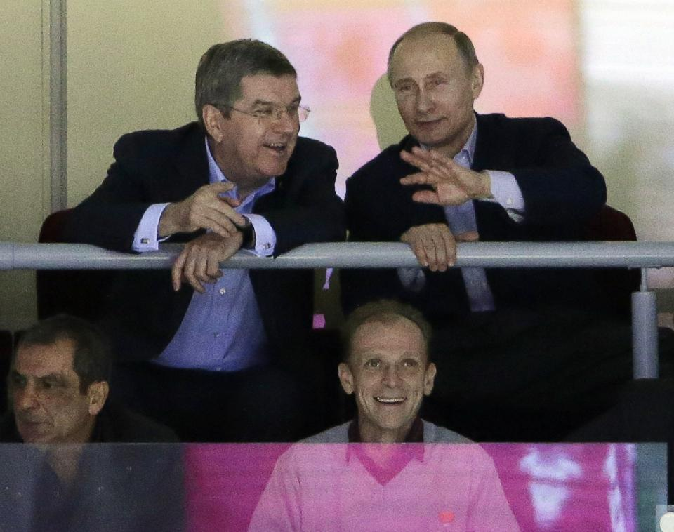 SOCHI SCENE: Putin catches some hockey