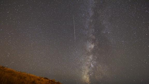 Summer Streakers: The Summer Meteor Showers of 2013