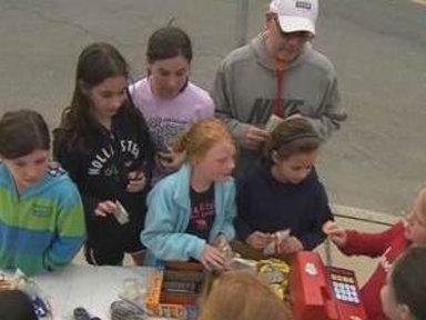 Kids' Lemonade Stand Raises Thousands for Boston Victims