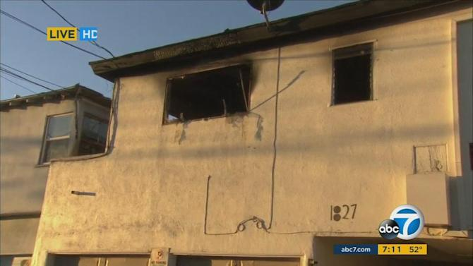 Explosion causes fire in Santa Monica apartment building
