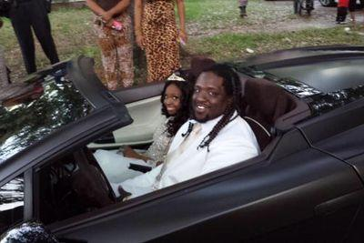 Jaguars DT takes 18-year-old cancer patient to prom in a Lamborghini