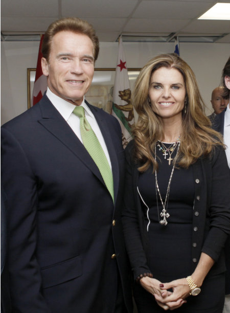 FILE - In this Oct. 2, 2009 file photo, California Gov. Arnold Schwarzenegger and his wife Maria Shriver pose for photos before they meet at the second Governors' Global Climate Summit in Los Angeles.  The former California governor indicated in a divorce filing that he does not want to pay Shriver spousal support. Shriver filed divorce papers July 1, 2011, to end their marriage of 25 years. (AP Photo/Reed Saxon)