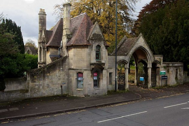 The Victorian two bedroom detached house in Bath, located in a cemetery