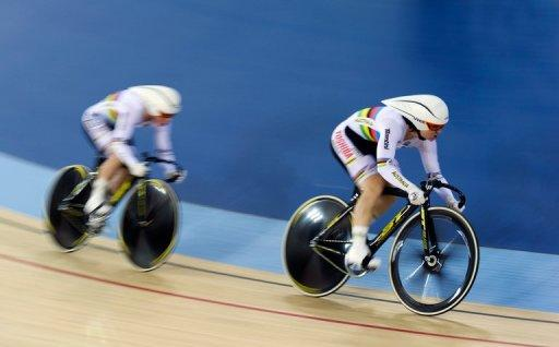 Anna Meares (L) and Kaarle McCulloch will be chasing their fourth world crown in the team sprint in Melbourne next month