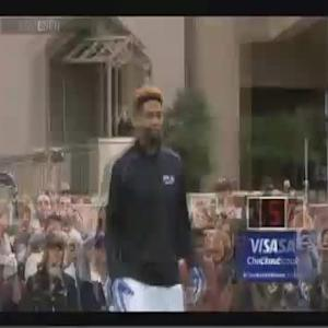Flower Mound Football Player Sets One-Handed Catch World Record