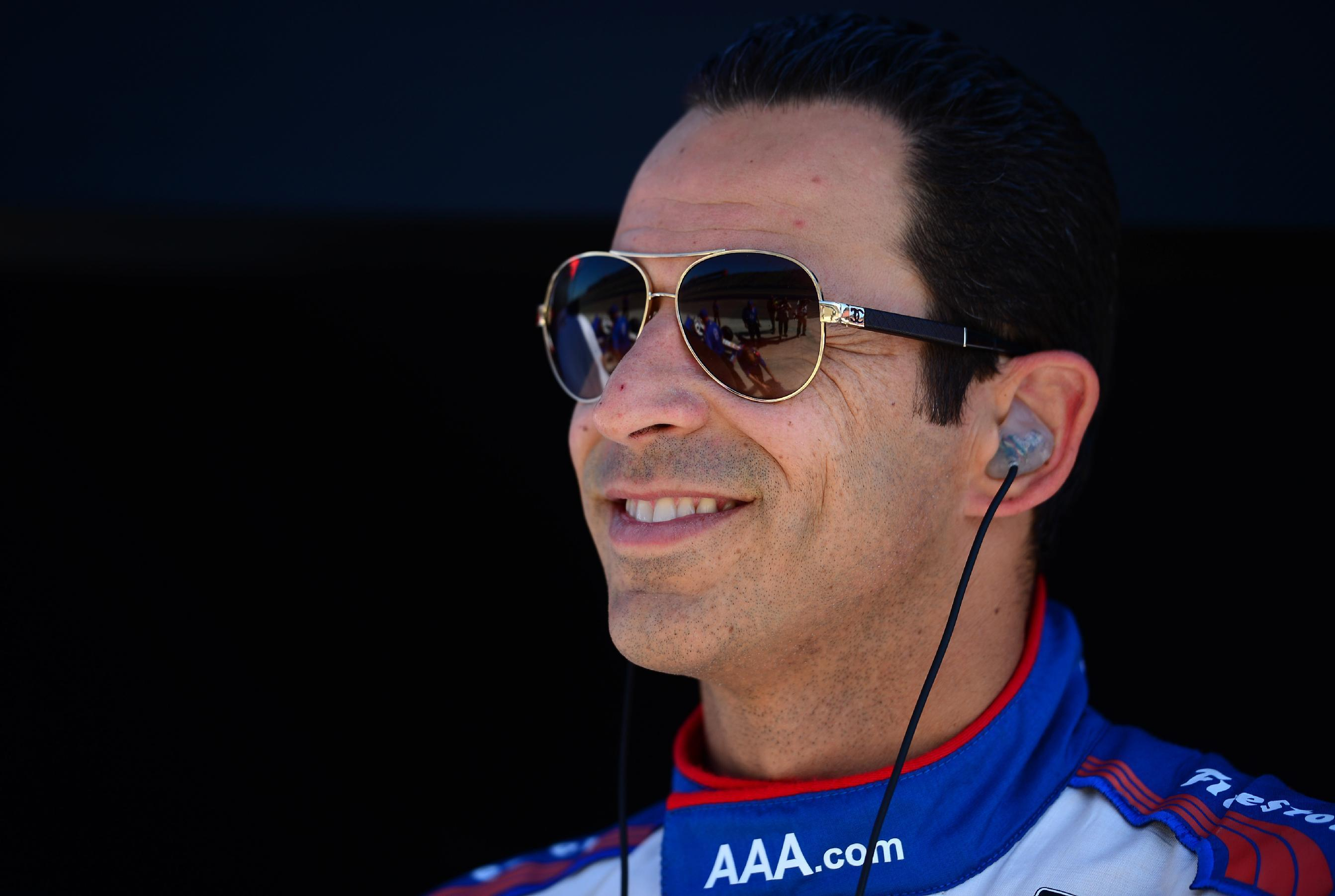 Castroneves captures IndyCar Long Beach pole