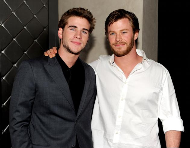 Chris Hemsworth dan Liam Hemsworth