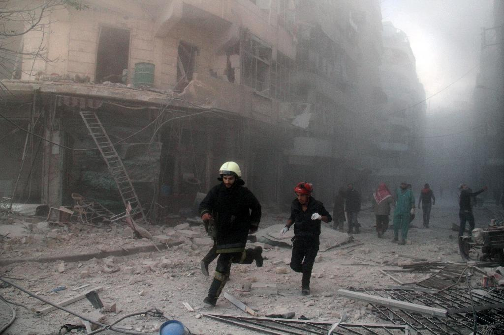At least 18 killed by regime barrel bomb in Aleppo: monitor